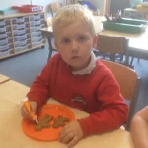 Leon chose to use orange.